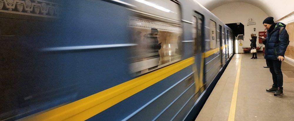Поїзд далі не їде. Когда 4G появится в метро Киева и Харькова