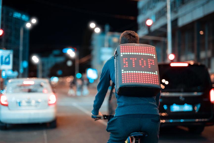 Украинcкий анимированный рюкзак собрал $340 000. Готов к ...