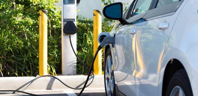 Украинцы придумали как зарядить электромобиль за 5 минут