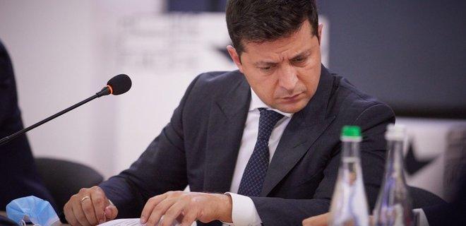 Электронные услуги. Зеленский одобрил переход на режим paperless - Фото