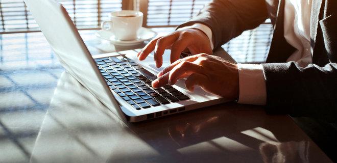 Кабмин разрешил бизнесу получать 13 лицензий онлайн. Пока в качестве эксперимента  - Фото